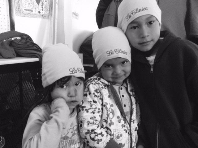 3 children model winter hats